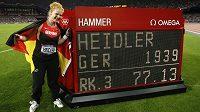 Německá kladivářka Betty Heidlerová nakonec bronzovou medaili získala.