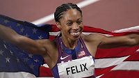 Pětatřicetiletá Američanka Allyson Felixová slaví zisk desáté olympijské medaile.