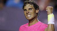 Rafael Nadal oslavuje výhru nad Pablem Cuevasem.
