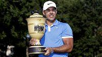 Světová golfová jednička Brooks Koepka vyhrál turnaj v Memphisu a získal sedmý titul v kariéře na PGA Tour.