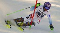 Česká lyžařka Šárka Strachová během prvního kola slalomu SP v rakouském Lienzu.