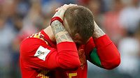 Zklamaný španělský kapitán Sergio Ramos po vyřazení s Ruskem.