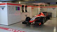 Monopost Julese Bianchiho zůstane během Velké ceny Ruska v garáži.