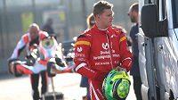 Mick Schumacher půjde ve šlépějích svého otce Michaela rychleji, než se původně očekávalo.