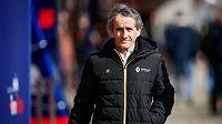 Alain Prost se přijel podívat na testování nových monopostů formule 1.