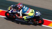 Motocyklový jezdec Jakub Kornfeil v kvalifikaci na závod mistrovství světa v Aragonii.