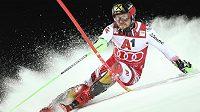Marcel Hirscher na trati slalomu SP ve Schladmingu.