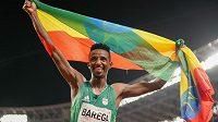 Etiopan Selemon Barega získal zlatou medaili v běhu na 10 000 metrů.