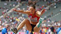 Česká reprezentantka Kateřina Cachová v akci v páté disciplíně sedmiboje na ME v atletice - skoku do dálky.