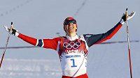 Norský lyžař Ola Vigen Hattestad se raduje z vítězství v olympijských sprintech.