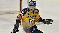 Hokejový útočník Jan Dufek oslavil novou smlouvu se Zlínem vítěznou brankou do sítě Sparty.