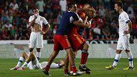 Fotbalisté Arménie (v červených dresech) v utkání s Českou republikou. Ilustrační foto.