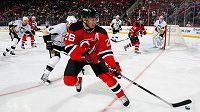 Útočník New Jersey Devils Patrik Eliáš se střelecky trápí.