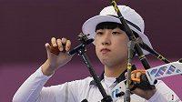Dvacetiletá Korejka An San si v Tokiu zcela podmanila olympijskou lukostřelnici
