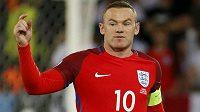 Kapitán Angličanů Wayne Rooney během utkání se Slovenskem.