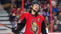 Renomovaný švédský obránce Erik Karlsson odchází v rámci NHL z Ottawy do San Jose.