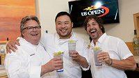 Kuchařské trio David Chang, Ken Oringer a David Burke je připraveno. Za pár hodin začne dvoutýdnenní frmol, US Open startuje.