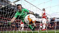 Jediný gól inkasoval Petr Čech v brance Arsenalu po hlavičce Mouctara Diakhabyho z Valencie.