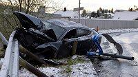 Vrak vozu Audi A7, se kterým naboural opilý norský lyžař Petter Northug.