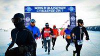 Šílený týden začíná v Antarktidě. To je World Marathon Challenge!