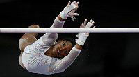 Americká gymnastka Simone Bilesová při MS ve Stuttgartu.