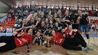 Házenkářky Mostu obhájily mistrovský titul. V rozhodujícím pátém utkání finále play off vyhrály v Praze nad Slavií.