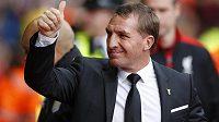 Spokojený trenér Liverpoolu Brendan Rodgers po vítězství nad Aston Villou.