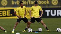 Útočníci Dortmundu Pierre-Emerick Aubameyang a Robert Lewandowski (vpravo) se připravují na čtvrtfinálovou odvetu Ligy mistrů s Realem Madrid.