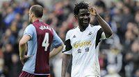 Kanonýr Swansea Bony Wilfried by mohl v létě odejít do Arsenalu.