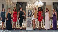Osm nejlepších tenistek se představí na Turnaji mistryň - zleva Číňaka Li Na, Němka Angelique Kerberová, Petra Kvitová, Běloruska Victoria Azarenková, Ruska Maria Šarapovová, Serena Williamsová z USA, Polka Agnieszka Radwaňská a Sara Erraniová z Itálie.