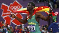 Talentovaný Kirani James z Grenady v olympijském finále čtvrtkařů stlačil svoje osobní maximum pod 44 sekund