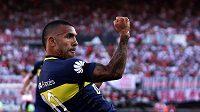 Kapitán Boky Juniors Carlos Tévez se stane nejlépe placeným fotbalistou planety.