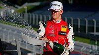 Mick Schumacher se dočkal velkého úspěchu