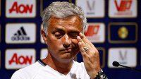 Trenér Manchesteru United José Mourinho na tiskové konferenci v Číně.