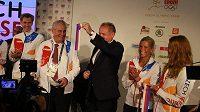 Otevřeno. Pásku přestřihli prezidenti Miloš Zeman a Andrej Kiska.
