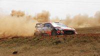 Thierry Neuville při Safari rallye