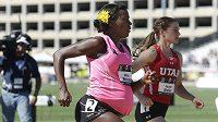 Americká atletka Alysia Montaňová běžela osmistovku na národním šampionátu v Sacramentu ve 34. týdnu těhotenství.