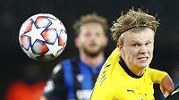 Dortmundský Erling Haaland při utkání s Bruggami.