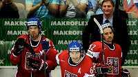 Čeští hokejisté Michálek, Jágr a Plekanec během MS 2011 na Slovensku.