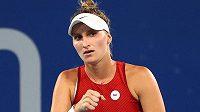 Markéta Vondroušová se povzbuzuje v osmifinálovém zápasu olympijského turnaje v Tokiu.