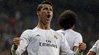 Hvězda Realu Madrid Cristiano Ronaldo slaví svůj gól v duelu s Borussií Dortmund.