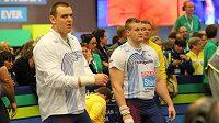 Koulaři Ladislav Prášil (vlevo) a Martin Stašek při kvalifikaci na halovém mistrovství Evropy.