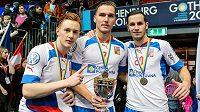 Zleva Patrik Suchánek, Milan Tomašík a Martin Tokoš už ve švédské elitní soutěži v dresu Dalenu hrají.