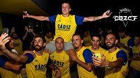 Fotbalisté Cádizu budou hrát po 14 letech španělskou první ligu. Andaluský celek má s dvoukolovým předstihem jistý postup.