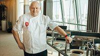 Kuchař Rudolf Juriga už má všechno nachystáno...