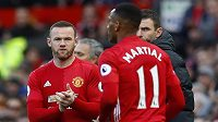 Anthony Martial, střídaný Waynem Rooneym.