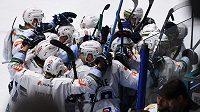 Hokejisté Kladna se radují z postupu přes Porubu do finále play off Chance ligy.