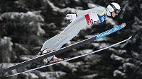 Český sdruženář Pavel Churavý skončil obsadil v úvodním závodu sdruženářů na mistrovství světa ve Val di Fiemme dvanáctou příčku.