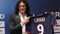 Edinson Cavani spojil svou další kariéru s dresem Paris St. Germain.