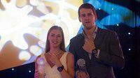 Vítězové Kateřina Elhotová a Jan Veselý na vyhlášení ankety Basketbalista roku.
